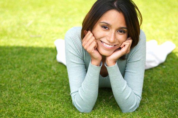 nasmejana žena